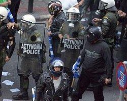 Yunan Polisine İşkence Suçlaması