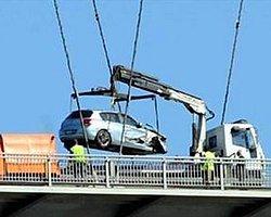 Köprüde Kaza Yapan Sürücü Aşağı Atladı