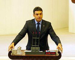 Gazeteciye yıpranma ve sendika hakkı AKP oylarıyla reddedildi