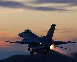 AFP: İran Fars Körfezi Üzerindeki Bir Amerikan Uçağına Ateş Açtı.