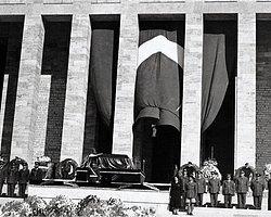 Atatürk Hayata Gözlerini Yumdu