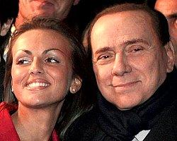 Berlusconi, 48 Yaş Küçük Hayranıyla Nişanlandı