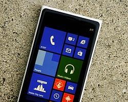 Nokia Lumia 920 Ve 820 İçin Yama Yolda