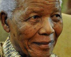 Mandela Noel'i Hastanede Geçirecek