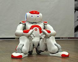 Üniversite Öğrencileri Nao Robot'a Gangam Style Dansı Yaptırdı