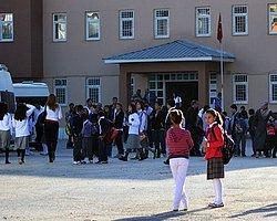 Yılın İlk Skandalı Okullara 'Sürgün'
