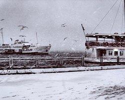 İstanbul'da Yeni Yılın İlk Kar Yağışı Başladı