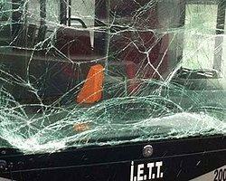 Metrobüs Yolunda Korkutan Kaza