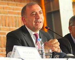 'AKP Baskıyla Ak Parti Oldu'