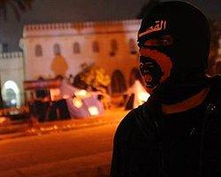 Göstericilerin Maskesi Düşecek