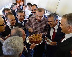 Uçakta Doğum Günü Kutlaması