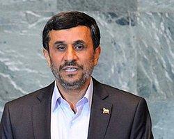 Ahmedinejad: 'Suriye'de Savaş Çözüm Değil'