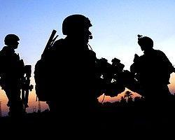 Cinnet Getiren Asker Karakolu Taradı: 3 Şehit