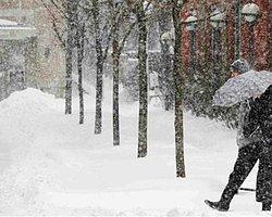 ABD ve Kanada'yı Kar Fırtınası Vurdu