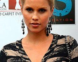 Claire Holt Da Vampire Diaries Spinoff'unda