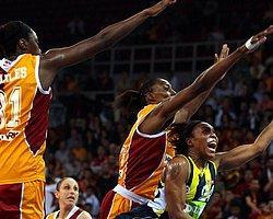 Kadınlar Basketbol Ligi'nde Derbi Fenerbahçe'nin