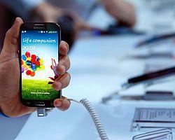 Galaxy S4, iPhone'u Tahtından Edecek Mi?
