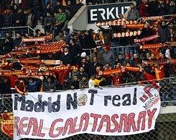 G.Saray'dan R.Madrid'e Pankartlı Gönderme