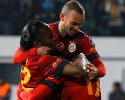 ''Herkes, Drogba Ve Sneijder'i Konuşuyor Ama...''
