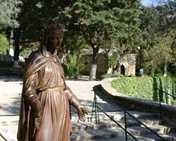 Meryem Ana Evi'ni Fırtına Vurdu