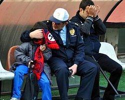 Zonguldak'ta Taraftar Sahaya Girdi Polis Havaya Ateş Açtı