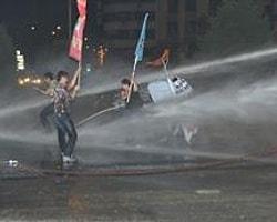 İzmir'de 115 Gözaltı
