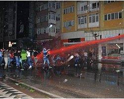Cumhuriyet Haber Portalı-Eskişehir'de Polisten Kırmızı Boyalı Su