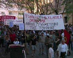 Taksim Protestolarına Yunanistan'dan Destek