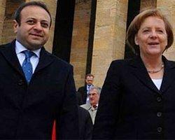 Merkel İçin Söylediklerine Pişman Oldu