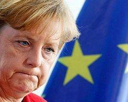 Merkel'e Ağır Eleştiri