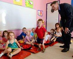 Fransız Okullarına 'Laiklik Yönetmeliği'