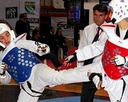 Büşra Gür Avrupa Şampiyonu Oldu