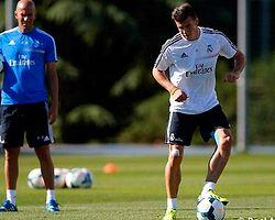 """Zidane: """"Bale, Ronaldo'yu Örnek Alacak"""""""