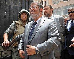 Mursi'nin Tutukluluk Hali Uzatıldı