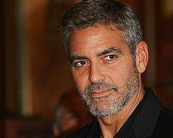 Clooney: Twitter Kullanan Ünlüler Morondur!