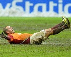 Sneijder Yalanlıyor Ama..