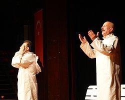 2014 Yılının İstanbul'da ilk tiyatro oyunu Nar Sanat Tiyatrosu'ndan