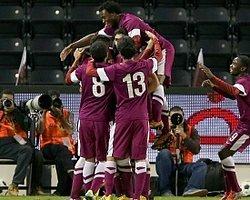 Katar kendi evindeki turnuvada yarı finale kaldı