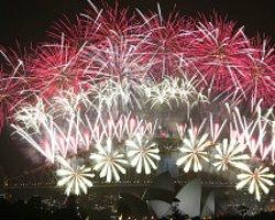 Dünya 2014'E Merhaba Diyor
