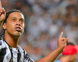 Ronaldinho'ya büyük onur
