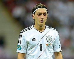 Mesut Özil'e Büyük Onur