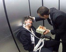 Vitaly'den Asansörde Rus Tetikçi Şakası