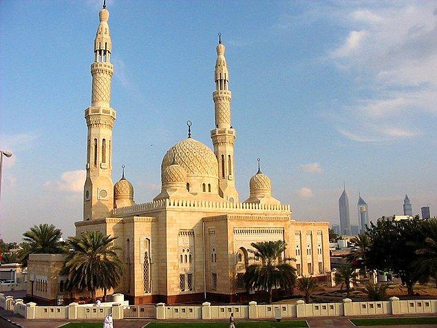 9. Jumeirah Camii