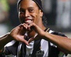 Ronaldinho'dan Beşiktaş'a Mesaj Var: