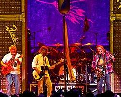 Neil Young İstanbul'da Konser Verecek