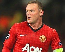 Rooney İmzayı Attı