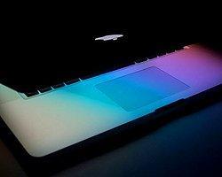 Apple Güneş Enerjili Macbook'larıyla Geliyor