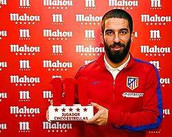 Arda Turan'a Ayın Futbolcusu Ödülü