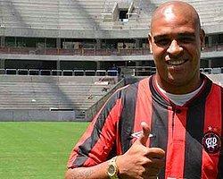 Adriano, Paranaense ile Anlaştı