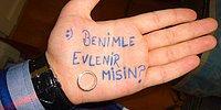 Cıvık Romantizmden Hoşlanmayan Erkeklere İlham Kaynağı Olacak 8 Evlilik Teklifi